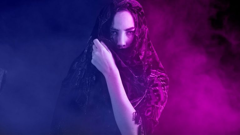 Create Dual Lighting Color Effect in Photoshop from Andhika Zanuar